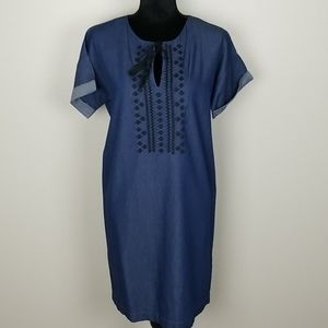Old Navy Denim 100% cotton embroidered dress sz MD